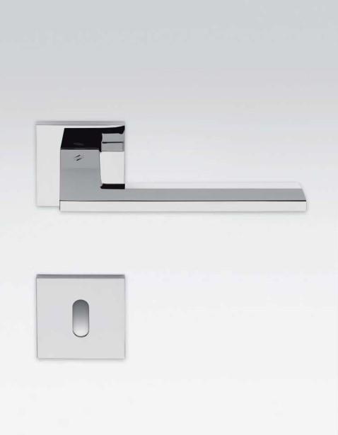accesorios para puertas metálicas