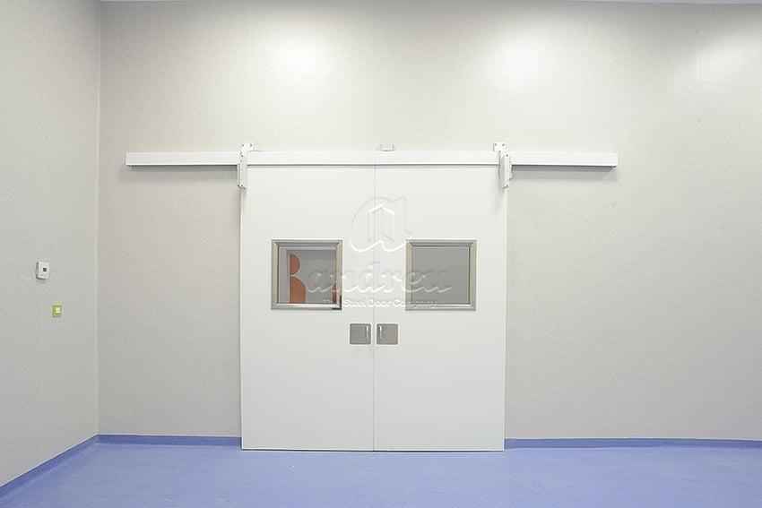 instalación de puertas metálicas mediante la ingeniería de accesos